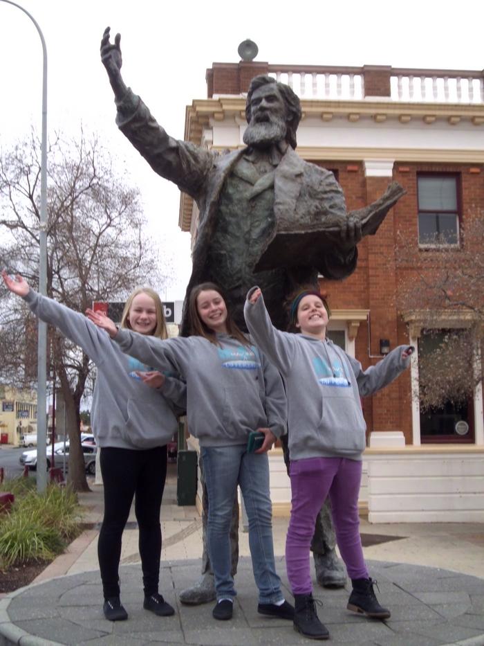 Parkes Statue